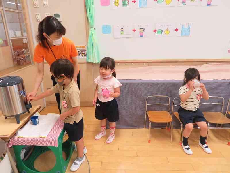 初日4歳児水分補給.jpg
