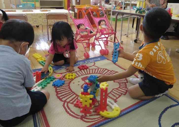 3歳児遊び.jpg